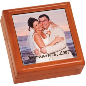 KEEPSAKE BOX WITH PHOTO TILE